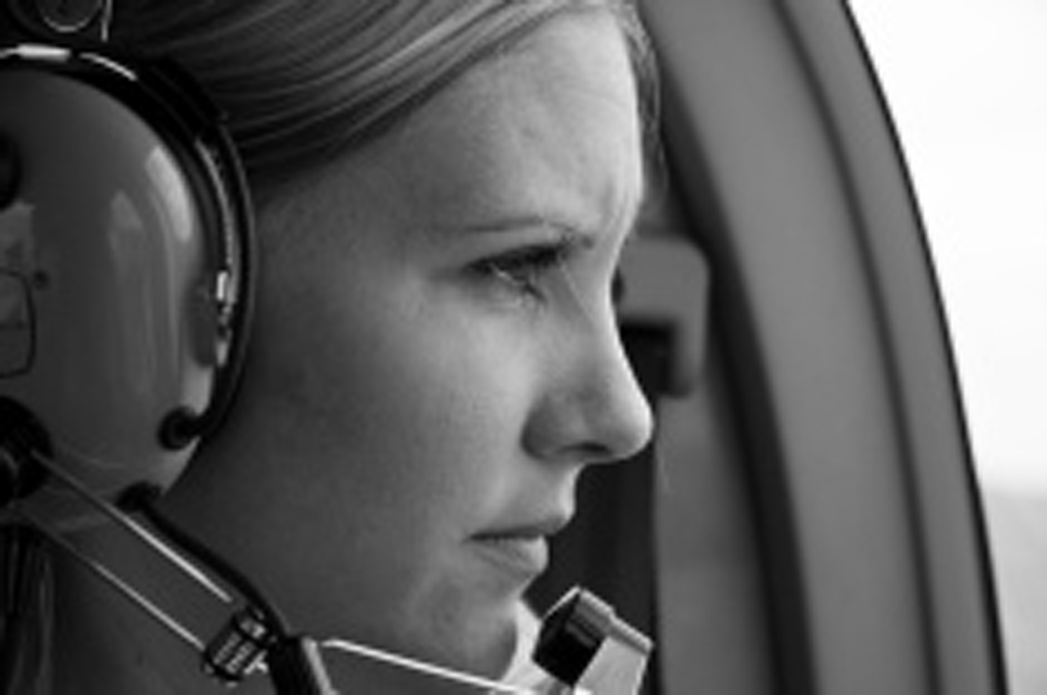 daytonaaviationacademy-com-airplane-girl.jpg